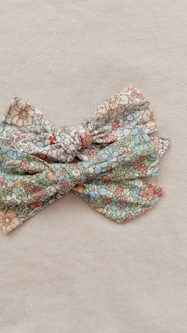 Floral Dreams Bow Set