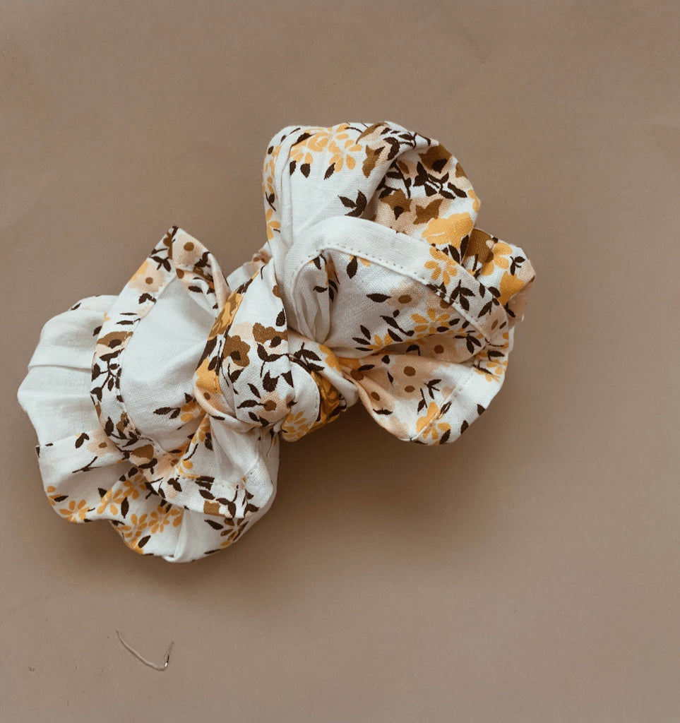 White Bloom Floral Topknot