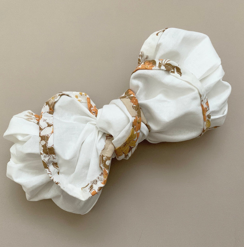 White Floral Trim Fabric Topknot
