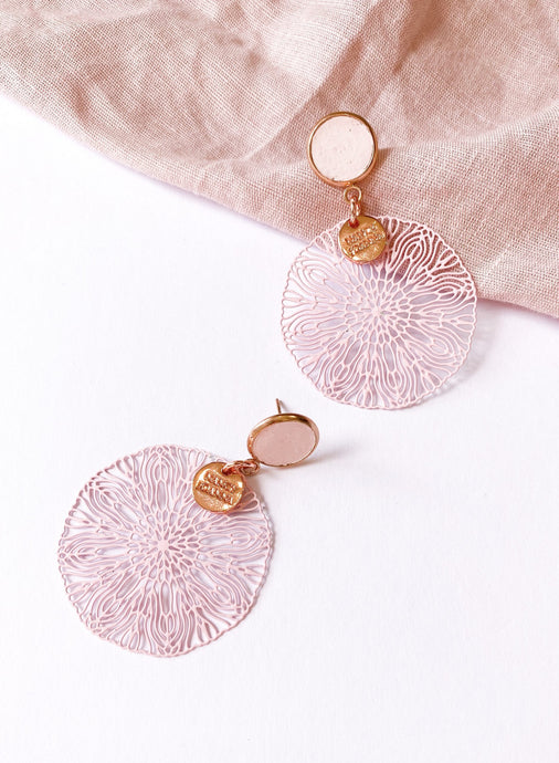 Blush Squiggle Lace Earrings - Rose
