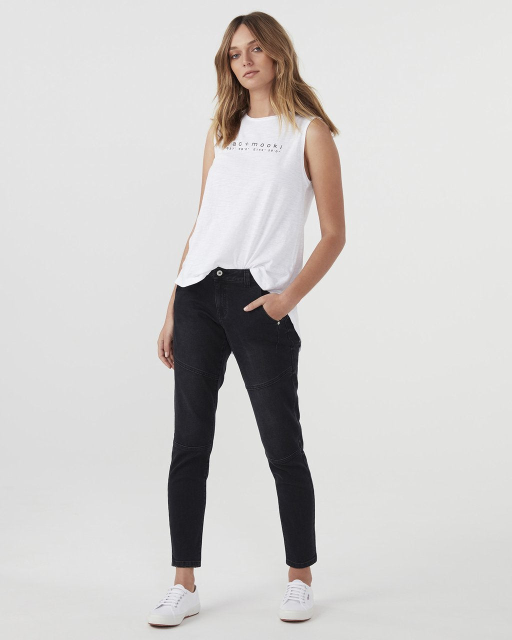 Slim Boyfriend Jean - Washed Black