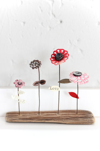 'Little Beauties' Love Flower Sculpture
