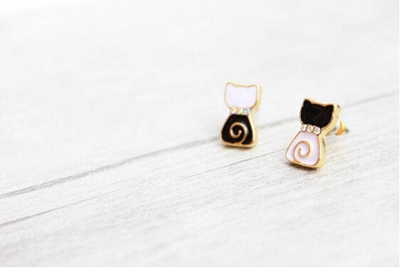 Fancy Cute Cat Stud Earrings