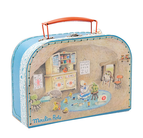 Moulin Roty case Doctor Grande Famille with illustrations by Camille Jourdy