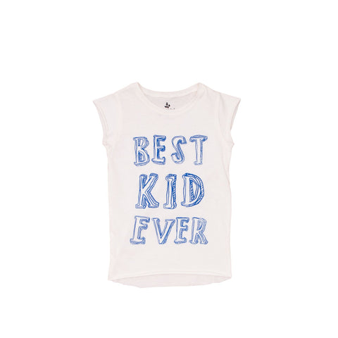 "From Noé Zoë this fun ecru colored shirt featuring the ""Best kid ever"" print. The linen shirt is a straight cut and has a loose fit with a crew neck. available at konfetti kids the shop for kids in barcelona. konfetti kids tienda para niños en barcelona"