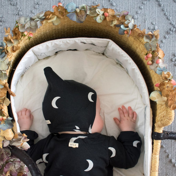Organic Zoo - Midnight Bonnet black with white moon