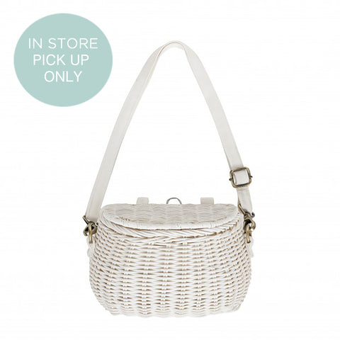 From the fair trade brand Olli Ella the amazing Mini Chari in white rattan. At konfetti kids
