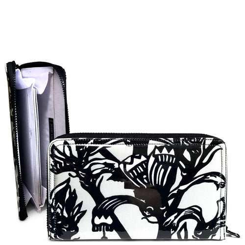 Travel Wallet - Black/White Kangaroo Paw