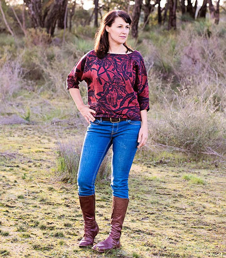 Bamboo V-Neck Long Sleeved Tee – Plum Hakea