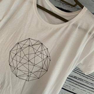 Black vector circle and a white tee (size large)