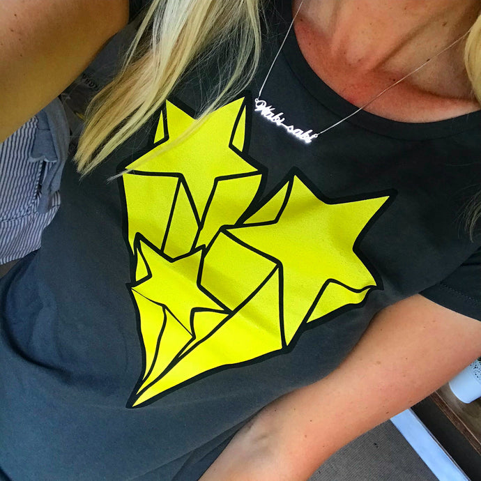 Yellow shooting stars on charcoal tee (m)