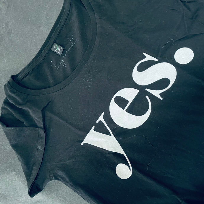 Black yes tee ( small)