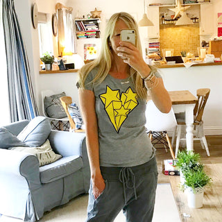 Yellow shooting stars grey tee