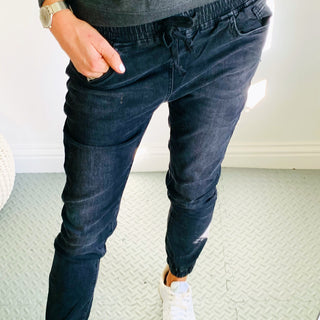 NEW! Zante black jean joggers