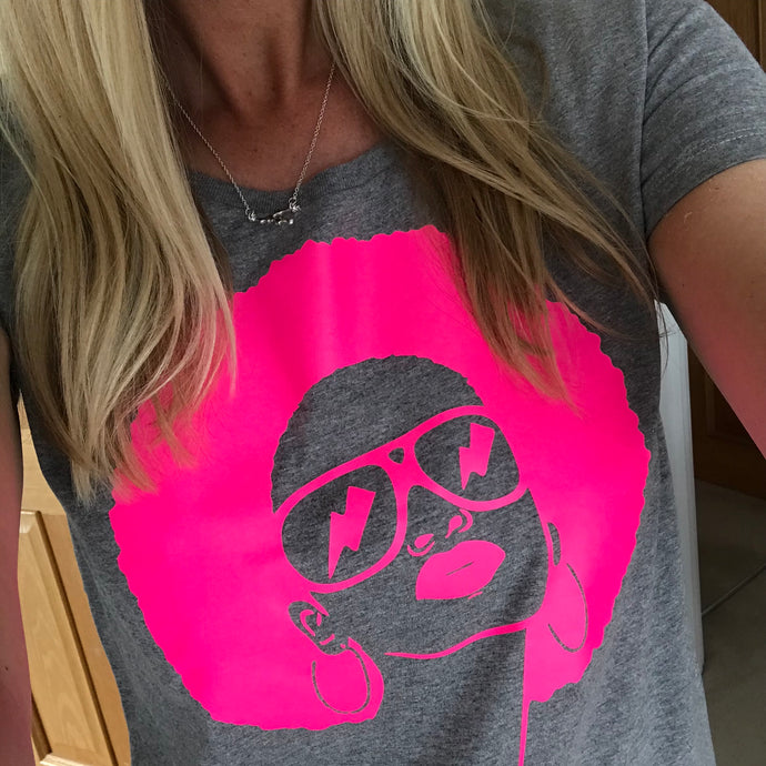 Neon pink face on grey tee (L)