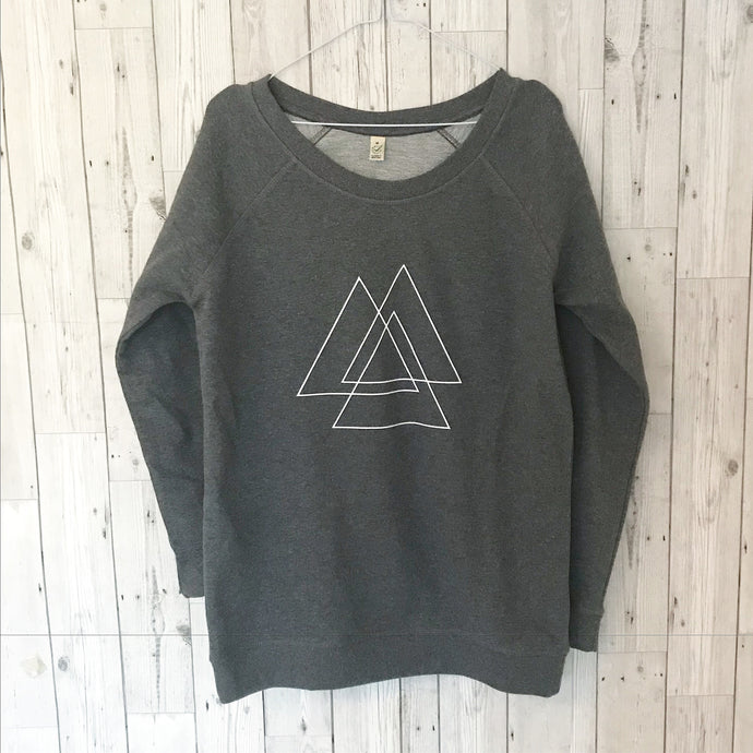 White mountains on a dark grey sweat (M)