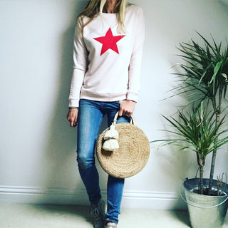Red star on pink sweat ❤️