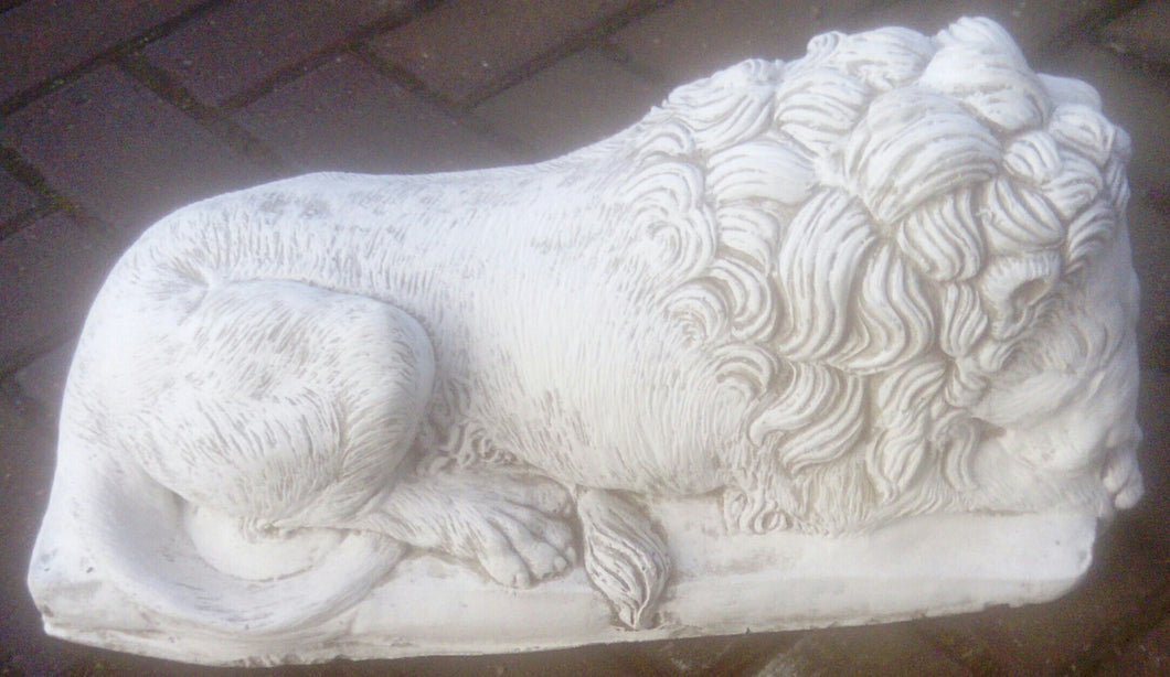 Lion Ornament (Sleeping)