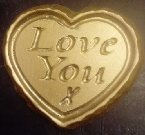 'Love You' Plaque