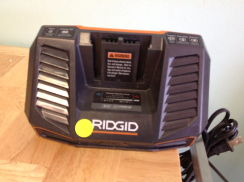 NH Ridgid Dual Chemistry Battery Charger R840095 B