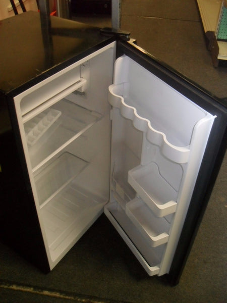 "KZ Haier HC33W20RB 17.5"" W 3.3 cu. ft. Mini Refrigerator in Black **SCRATCH & DENT**"