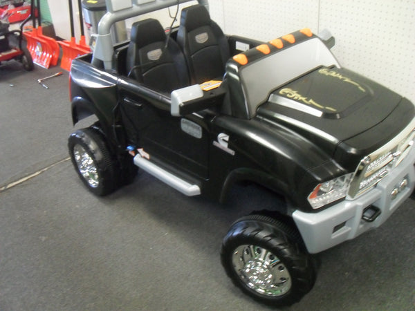 KZ Kid Trax KT1100WM Dodge Ram Dually 12-Volt Battery-Powered Ride-On BRAND NEW