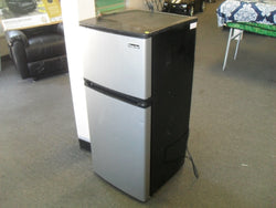 KZ Magic Chef HVDR430SE 4.3 cu. ft. Mini Refrigerator in Stainless Look