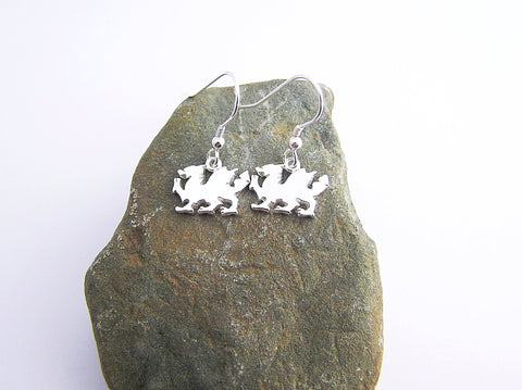 STDAVIDS.WALES:Sterling Silver Dragon Earrings:Celtic Treasure:Earrings