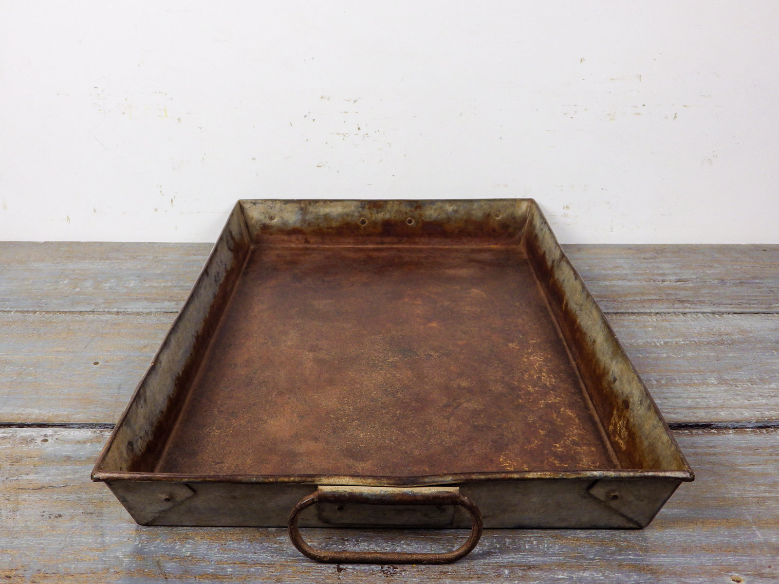 MILL-939 Metal Tray C8