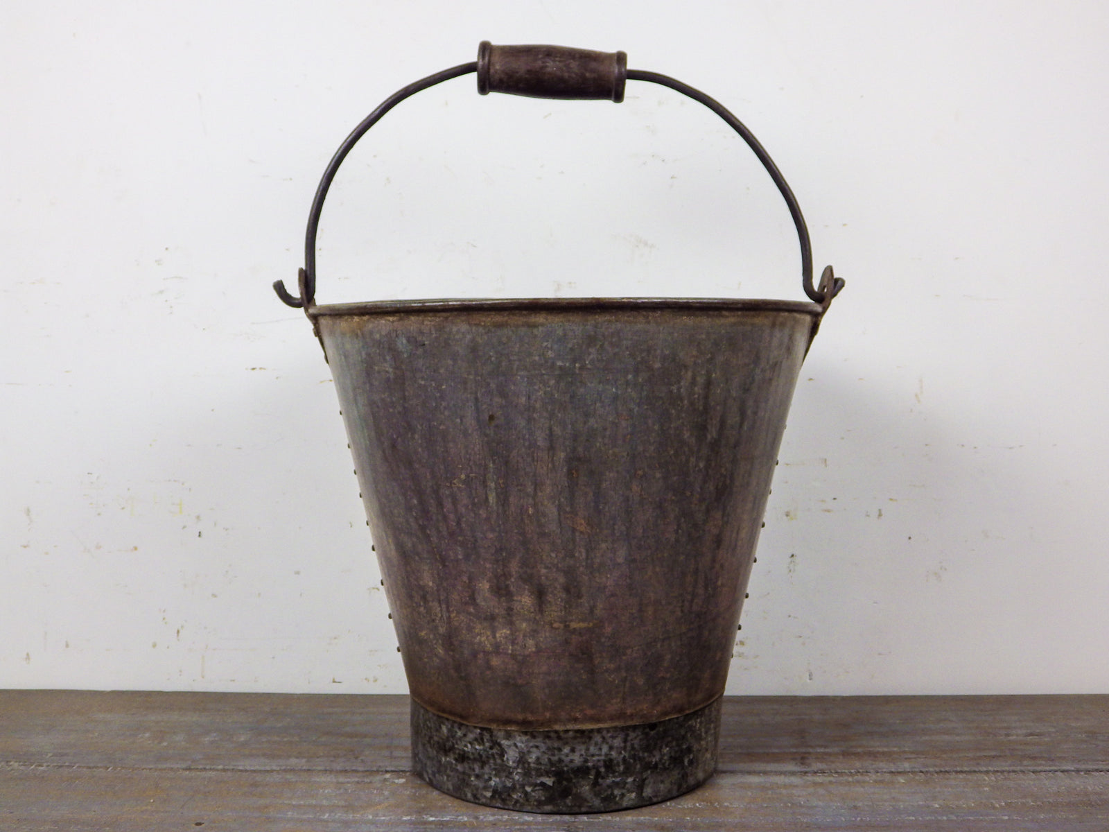 MILL-698/4 Metal Bucket with Wooden Handle C8