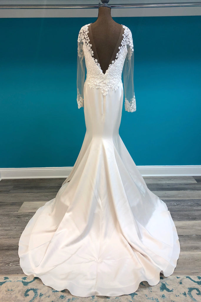 Paloma Blanca Style 4799 - The Persnickety Bride