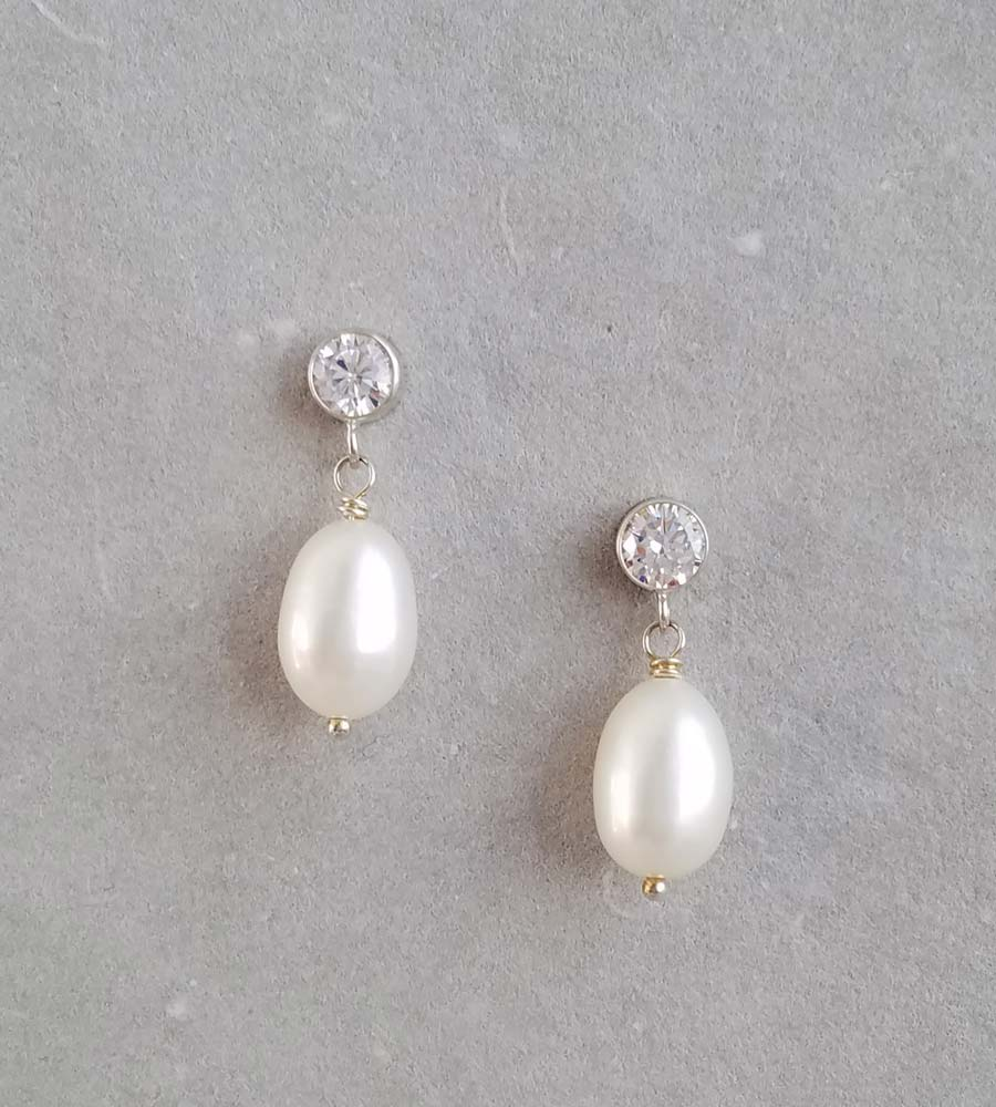Elizabeth Pearl Earrings