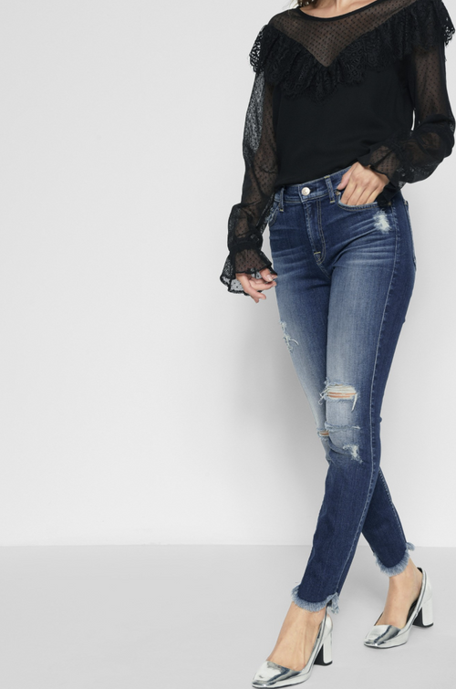 Distressed Ankle Skinny with Scallop Hem
