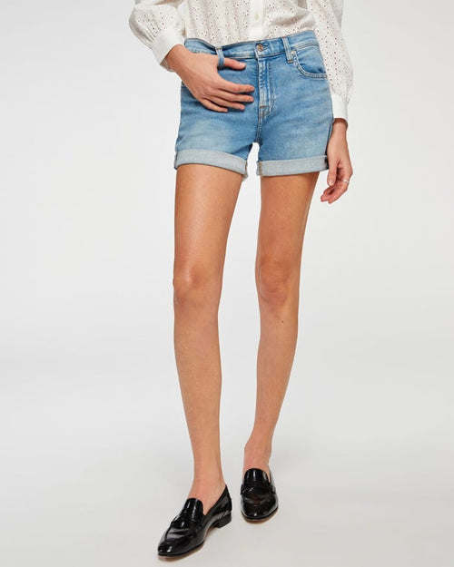 Relaxed Mid Rise Short in Melrose