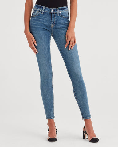 Ankle Skinny with Distressed Hem