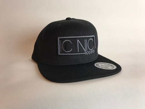 Iconic Seamless Flatbill Hat- Black/Silver