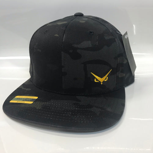 Iconic SnapBack - MultiCam Black - Hawkeye Gold