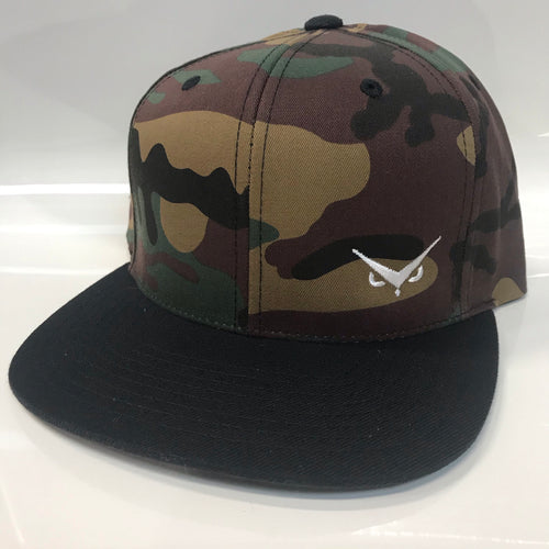 Iconic SnapBack - Camo/Black - White