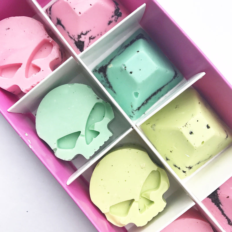SKULL RAINBOW CHOCOLATES
