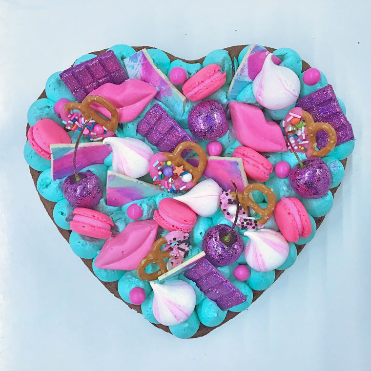 GLITTER BOMB BROWNIE HEART