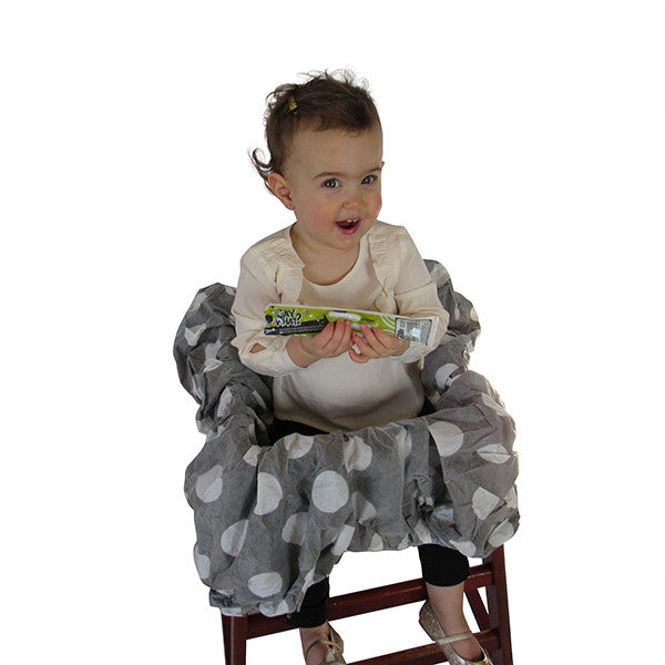 high chair disposable cover baby toddler mom hack black and white polka dot clean fresh