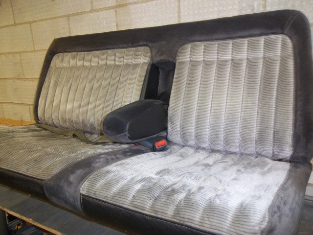 Chevy/GMC 1500/2500/3500 Bench with Small Armrest