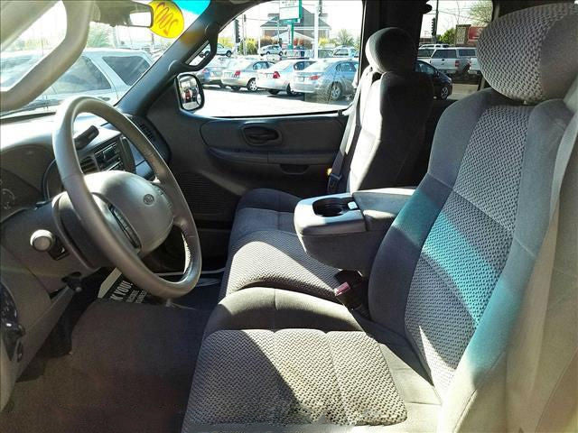 Ford F-150 40/60 Belted Seats with Adjustable Headrests