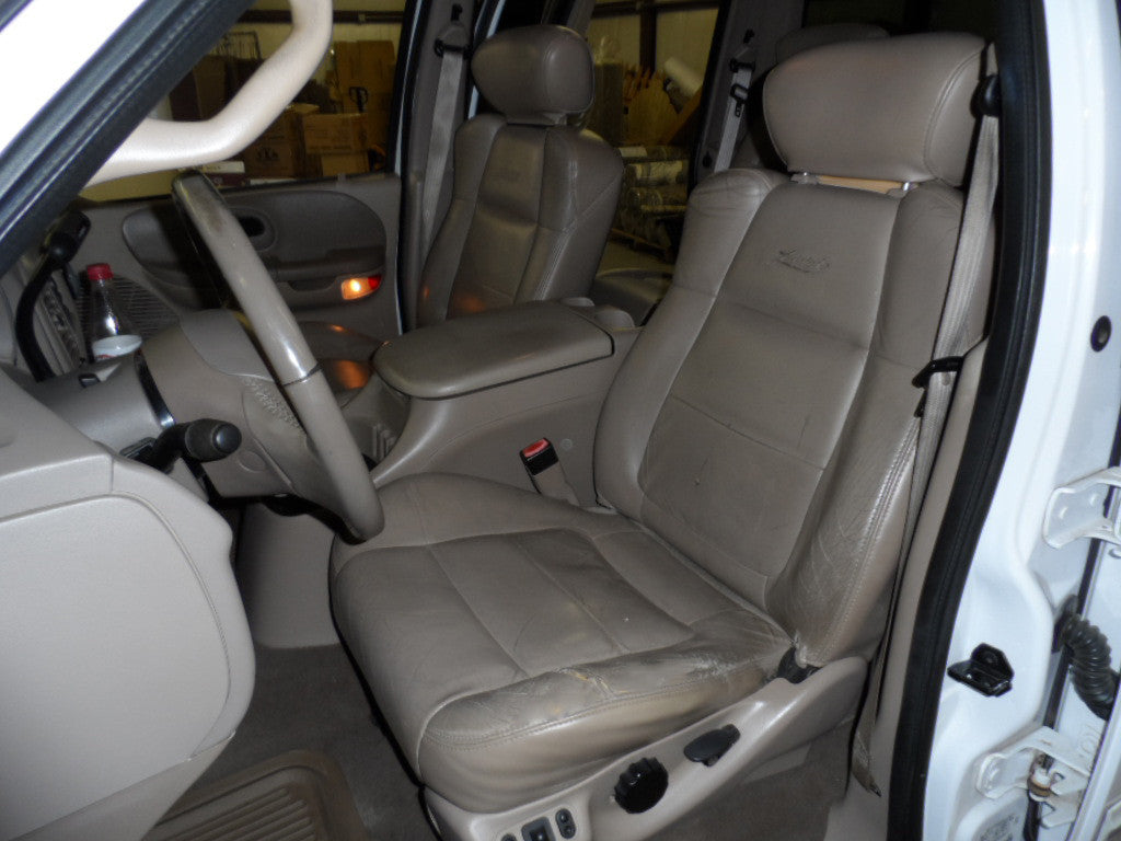 Ford F-150 Lariat Bucket Seats with Adjustable Headrests