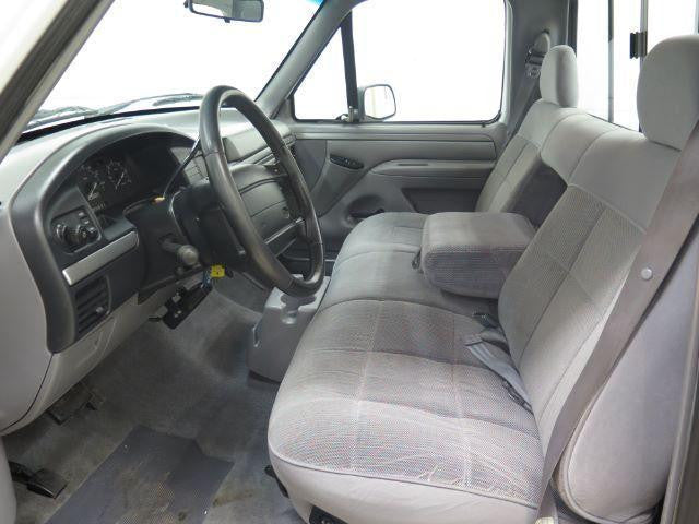 Ford F-150 Bench Seat with Adjustable Headrests (With or Without Armrests)