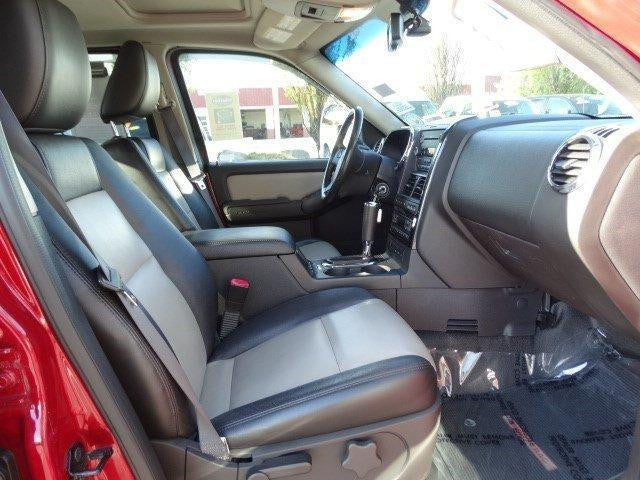 Ford Explorer Buckets with Adjustable Headrests