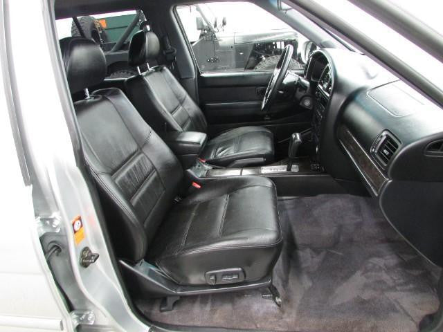Nissan Pathfinder Bucket Seats