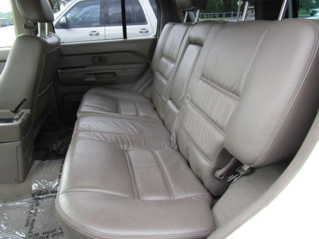 Nissan Pathfinder 60/40 Rear Seat with an Armrest