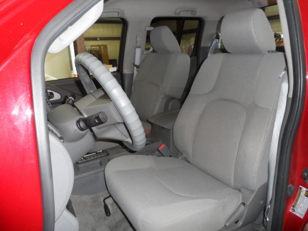 Nissan Frontier Bucket Seats (Passenger Fold Table)