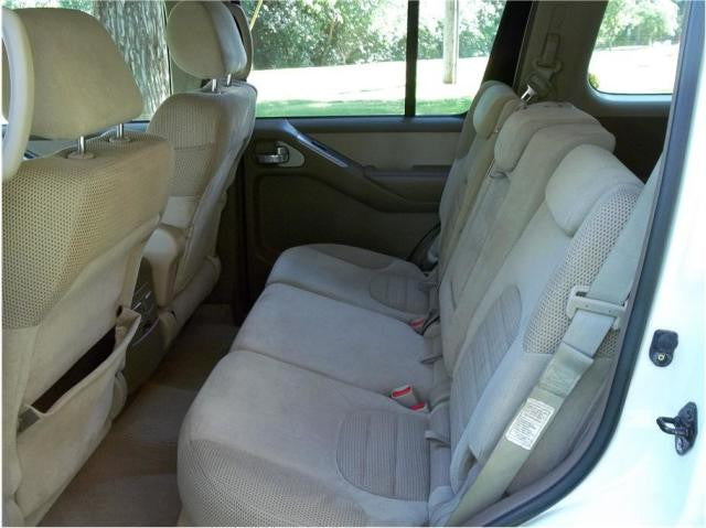 Nissan Pathfinder 40/20/40 2nd Row Seats
